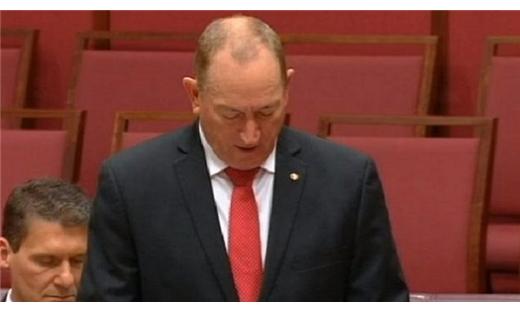 برلماني يطالب بالعودة إلى استراليا المسيحية ووقف استقبال المسلمين