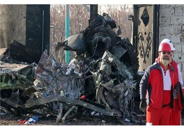 طهران تتراجع وتعلن تسليم الصندوق الأسود للطائرة الأوكرانية لكييف