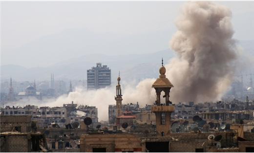 ثوار سوريا بمشارف حماة ويتمسكون بمواقعهم شرق دمشق