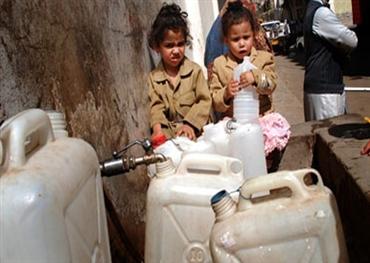 اليمن..الفقر و الحرب يفتكان بأهلها