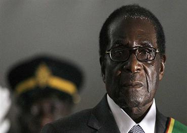 """""""روبرت موغابي"""".. البطل الديكتاتور الذي ظنَّ خلوده في الحكم"""