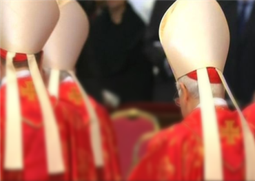 الجنس.. أكبر أزمات الكنيسة الكاثوليكية منذ الإصلاح