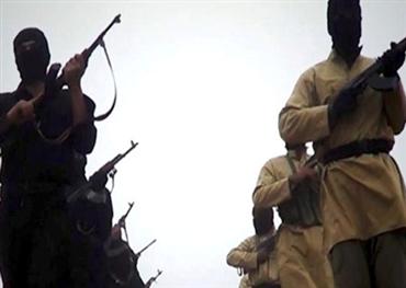الصراع الخفي بين القاعدة وداعش في اليمن
