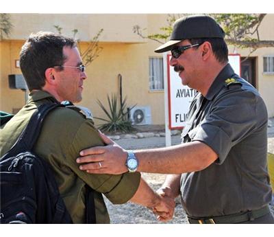 الصهاينة يعزز مواقع الحدود المصرية 152907102014010612.jpg