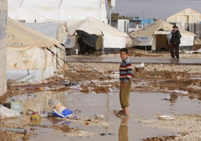 إدخال مساعدات إنسانية لسوريا 2012112.jpg