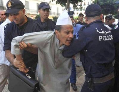 الجزائر تطلق سراح سجناء سياسيين 2013115.jpg