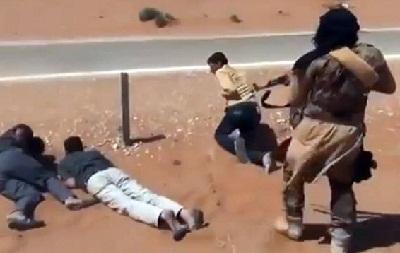 """اتهامات لـ""""داعش"""" بإعدام المئات 2013178.jpg"""