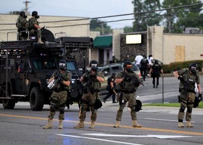 حالة طوارئ بمدينة فيرجسون 2014122.jpg