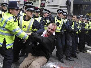 لندن تدخل مرحلة حرجة.. ثلاثة قتلى ولجان شعبية لحماية الممتلكات