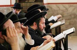 """الليموند الفرنسية تسلط الضوء على """"قلة أدب اليهود"""""""