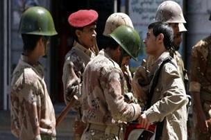 انفجارات داخل قاعدة جوية يمنية